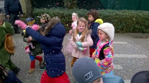Carnavalstoet in ons dorp! wp_20180209_14_20_09_pro-medium.jpg