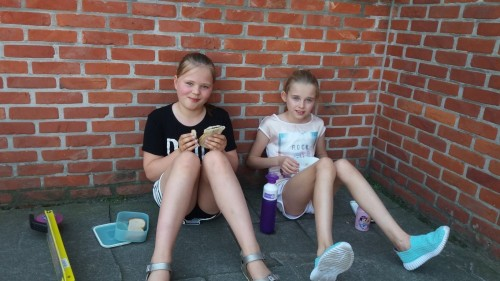 Picknicken op de speelplaats 20180420_120246-medium.jpg
